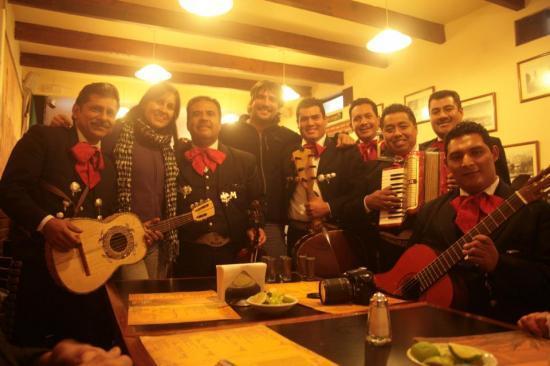 Mariachis en la Coyoacana - Coyoacan - México
