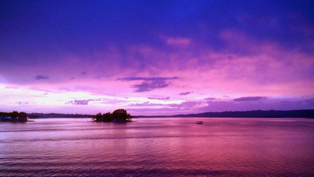 Vistas del Lago al atardecer - Flores - Guatemala