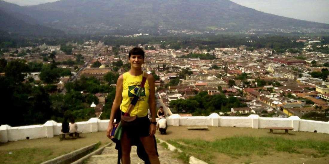 Posando con Antigua y el volcán - Guatemala
