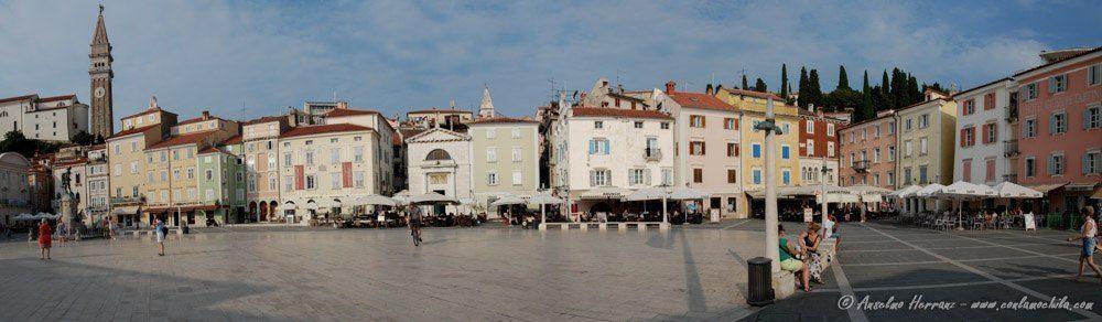 Panorámica de la Plaza de Piran; Plaza Tartiri - Eslovenia