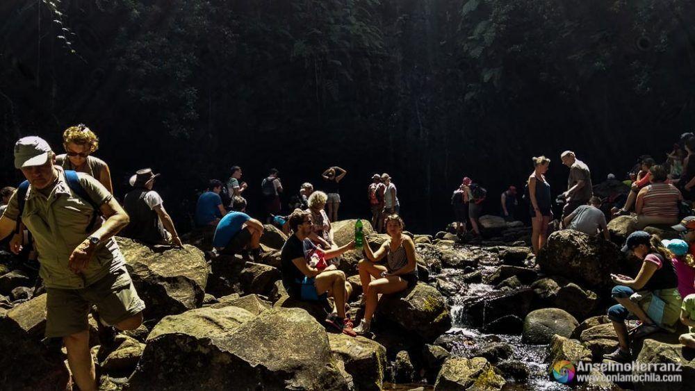 25fontes repleta de gente - Madeira