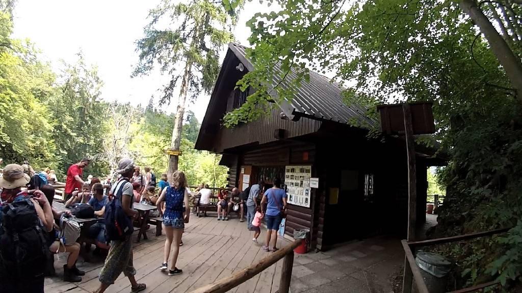 Caseta junto a la Cascada Šum - Vintgar Gorge - Eslovenia