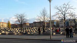 Monumento al Holocausto visto desde fuera - Berlín