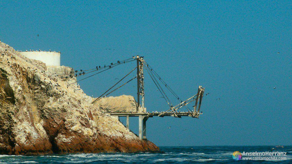 Muelle de carga para guano - Islas Ballestas - Ica - Perú