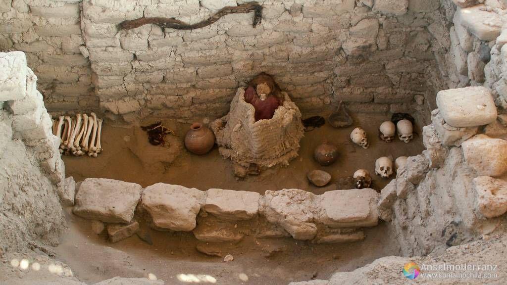 Enterramiento en el cementerio de Chauchilla - Nazca - Ica - Perú