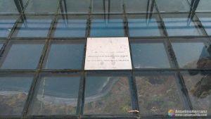 Suelo de cristal del mirador de Cabo Girao - Madeira - Portugal