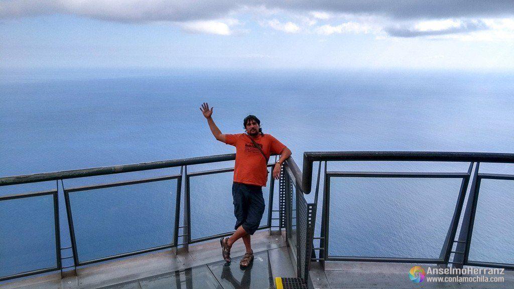 Posando en el mirador de Cabo Girao - Madeira - Portugal