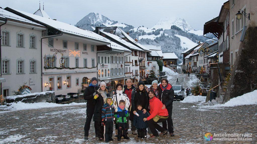 Toda la familia en Gruyere - Suiza