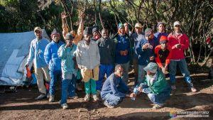 Guia, porteadores y cocinero de nuestra expedición y ascensión al Kilimanjaro - Tanzania