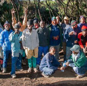 ¿Se puede subir al Kilimanjaro por libre, sin guías?