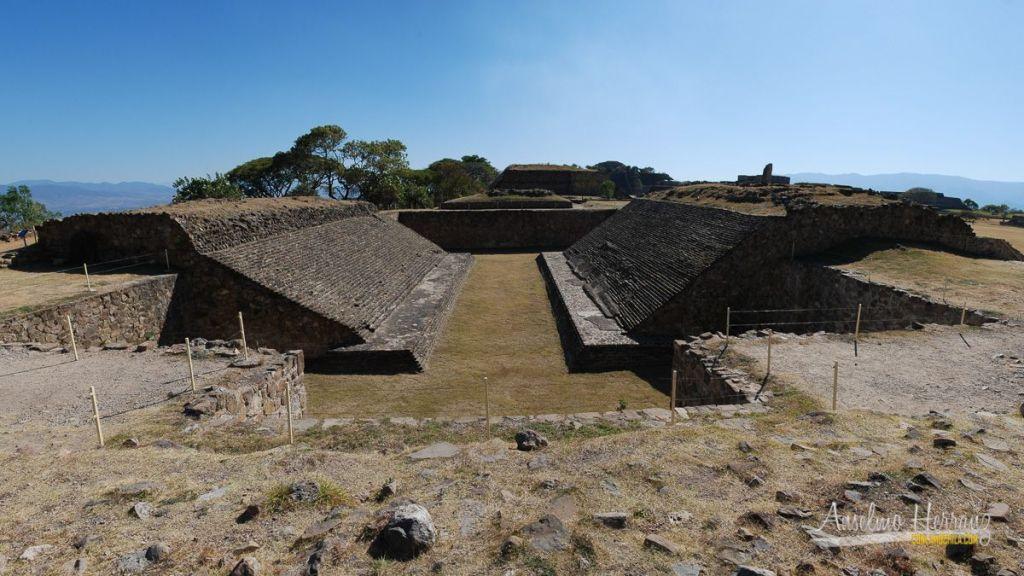 Juego de Pelota en la Zona Arqueológica de Monte Albán - Oaxaca