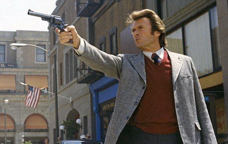 Harry el Sucio y su sucio revólver