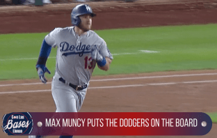 Max Muncy hits a solo home run to put the Dodgers on the board.