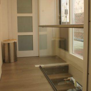Glazen balustrade met RVS bovenregel