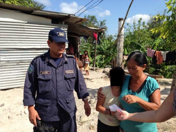 Rescate de víctima en Honduras. Foto: Xiomara Orellana.