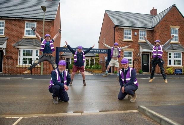DWHS - SGB_0457 - The site team having fun in their purple PPE-dcae7b78