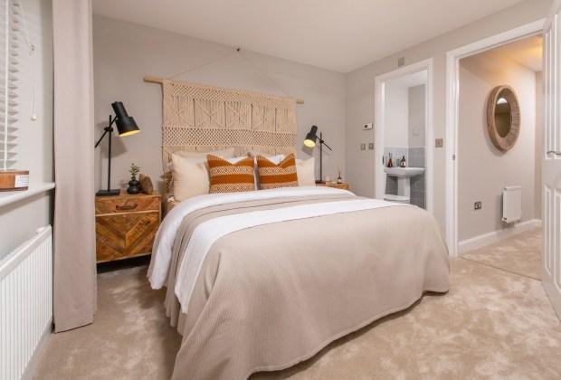 B&DWNM - 008 BNM_FernwoodVillage_Kingsville_3bed - A typical bedroom with an en-suite at Fernwood Village-26bf85f0