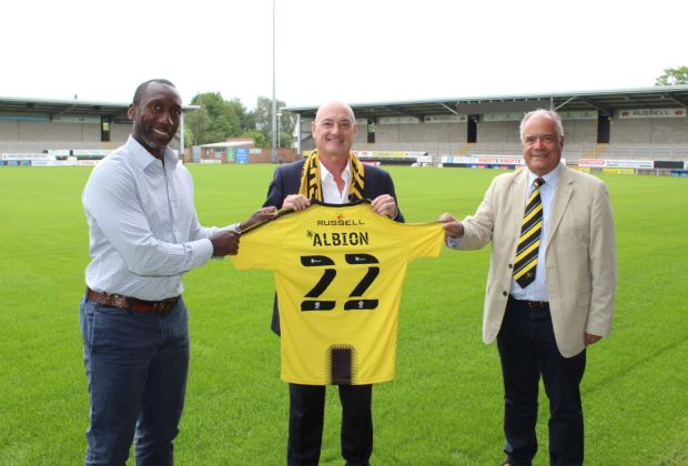 left to right Jimmy Floyd Hasselbaink, Andrew Hayward and Ben Robinson s-cbfc25dd