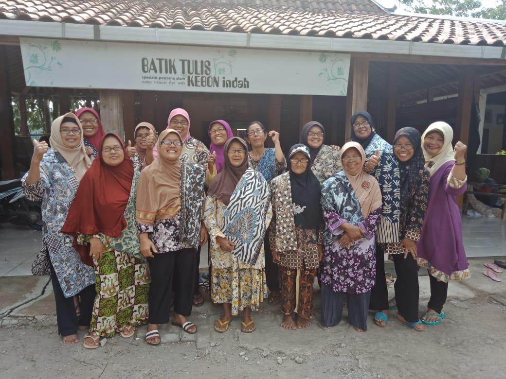 102 Pair of glasses distributed to Batik Tulis Kebon Indah Artisan group members