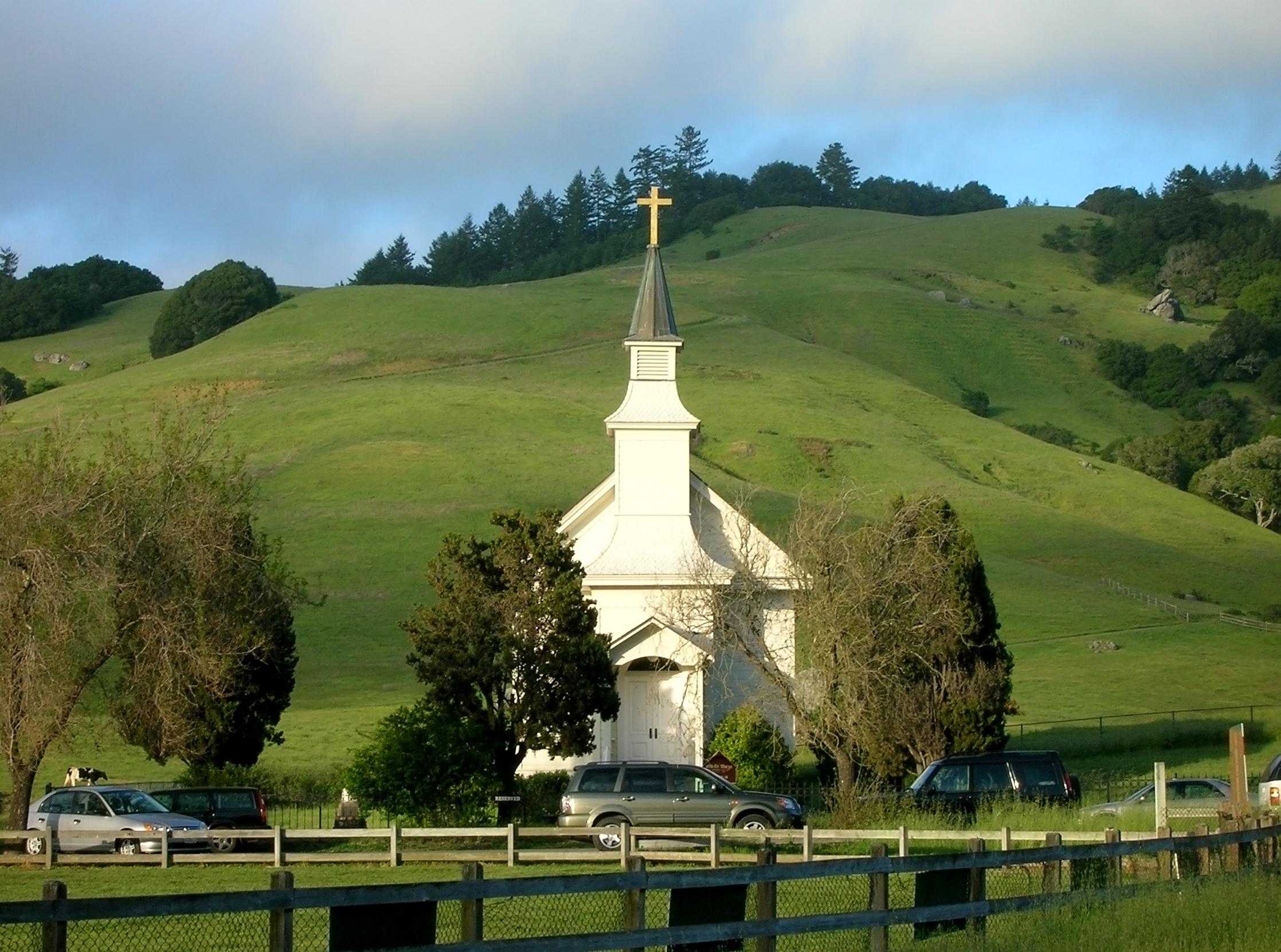 Is Church Service A Noun Or A Verb Phrase