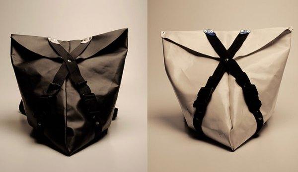 Los bolsos son un 'must' en el reciclaje en moda, como este de Nomarmakers.org.
