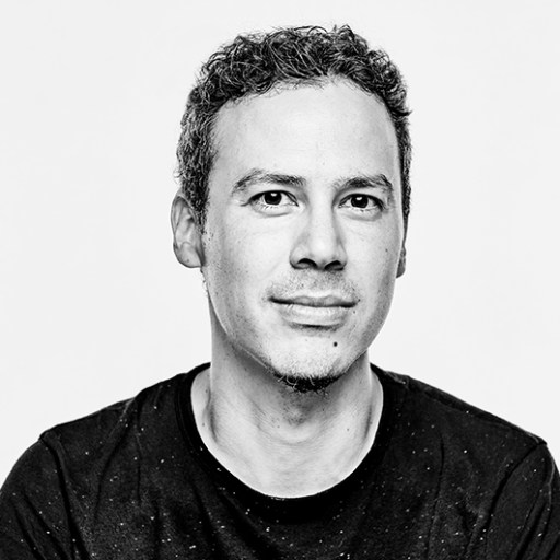 CONNEXION AVEC… Ben Castro