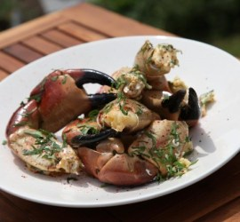 CRAB-CLAMS-with-Garlic-Butter