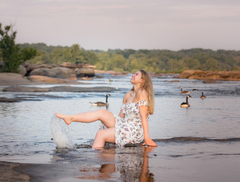 seniorphotos-river-richmondvaseniors