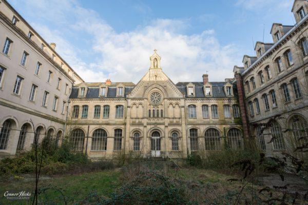 Hospital Plaza Urbex France External