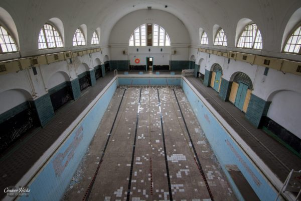 Haus Der Offiziere germany urbex swimming pool