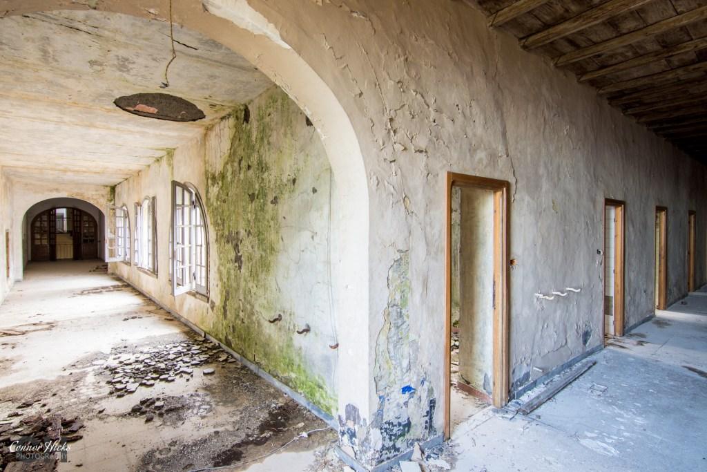 italy urbex Monastery SB hallway 1024x683 Monastery SB, Italy