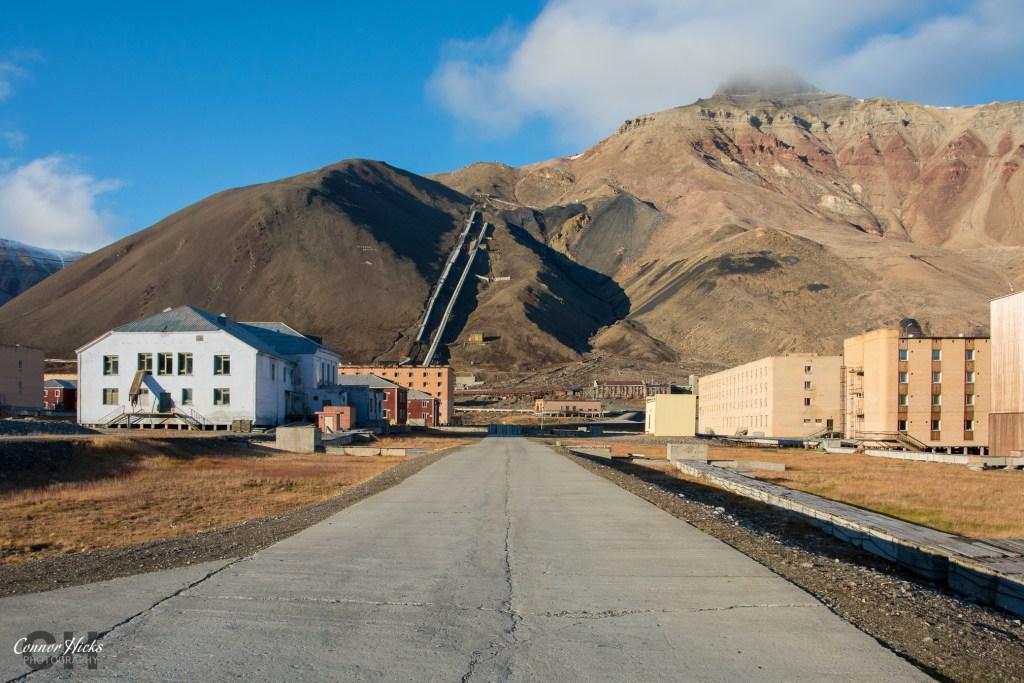 svalbard pyramiden urbex 1024x683 Pyramiden, Svalbard