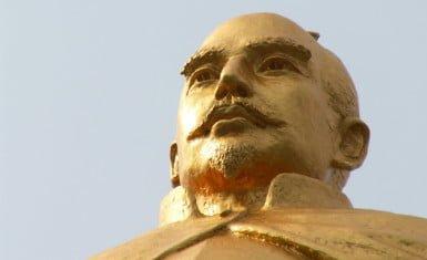 Escultura de Oda Nobunaga