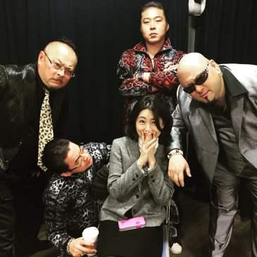 Miembros del Takakura-gumi en el set de grabación