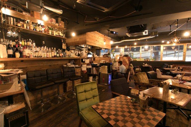 &Roll Café