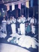 En ésta foto vemos al dúo de trompetas Marrero (izqda) y Reinaldo en la desaparecida discoteca Beach Club, en San Agustín y a José Luis
