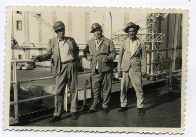Años 70, Vicente Vega Suarez con compañeros en el Puerto de la Luz, portuarios... Foto de Delia Vega