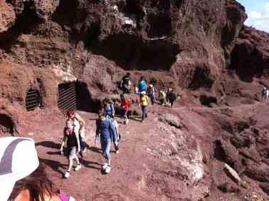 Visita al Yacimiento Cueva de Los Canarios.