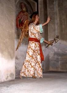 l'angelo annunciante di gaudenzio ferrari