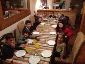 la cena de los peques en año nuevo