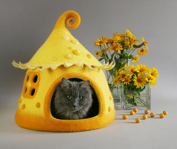 fairy-cat-house-yellow