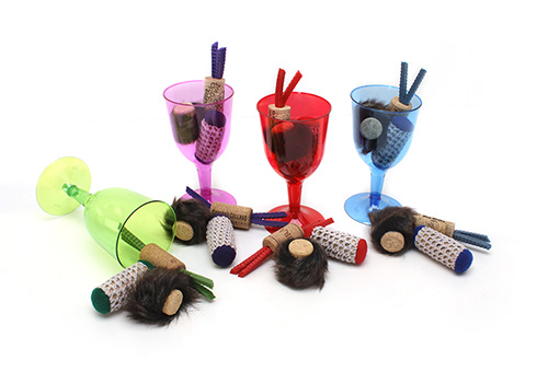 Hauspanther-cat-wine-toys