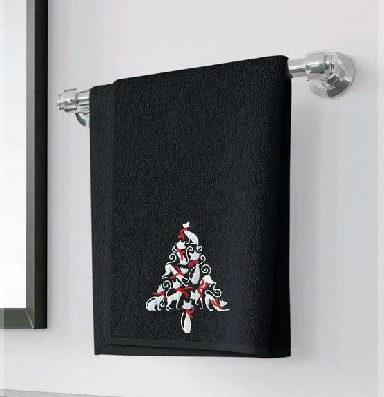 holiday-cat-tree-towel