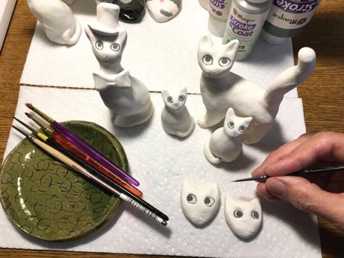 cat-ceramic-figurines