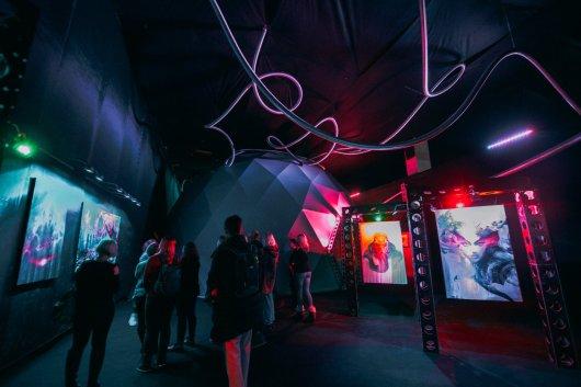 people view paintings at android jones' samskara immersive art exhibit