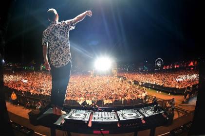 Kaskade becomes the first dance music artist to headline Coachella in primetime.