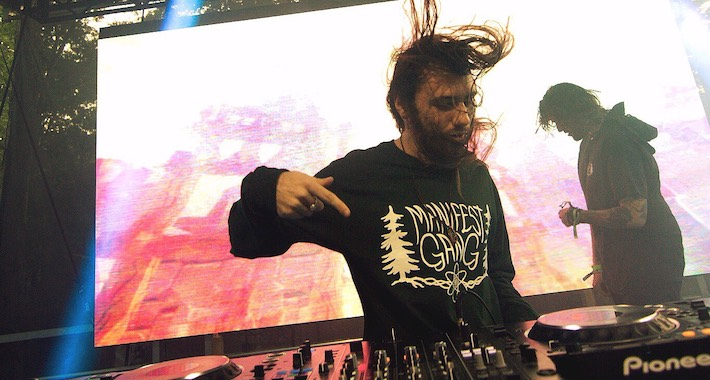 mystic grizzly hair thrashing on pioneer dj decks