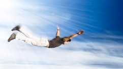 lucid-dreaming-man-flying