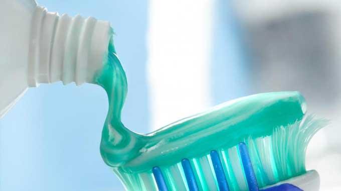 toothpaste fluoride