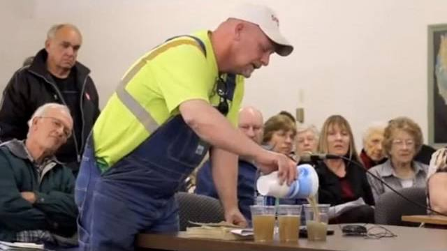 farmer-challenges-committee-drink-fracking-water